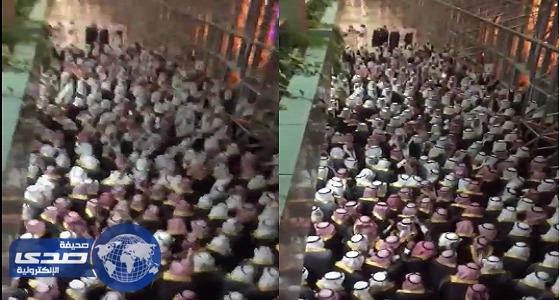 بالفيديو.. طلاب جامعة الجوف في حفل تخرجهم: صداره وبس