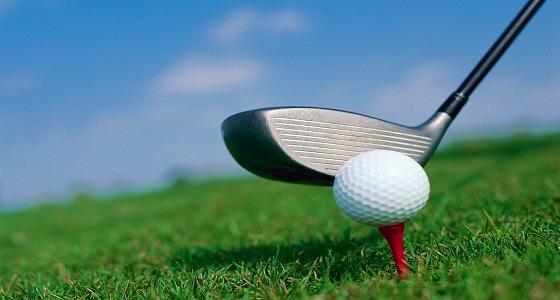 فصل موظف أسترالي لتهربه من العمل ليلعب الجولف