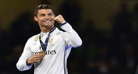 فيفا يهنئ رونالدو بعيد ميلاده الـ33