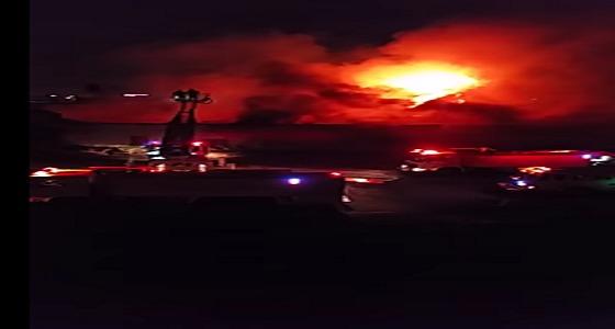 بالفيديو والصور.. اندلاع حريق هائل في جازان