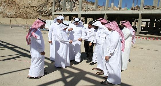 مدير مياه الباحة يتفقد مشاريع الإدارة في الحجرة