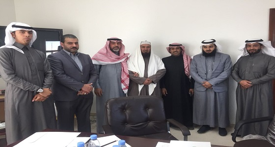 الجمعية الخيرية بخميس مشيط توقع عقد شراكة مع مؤسسة آفاق