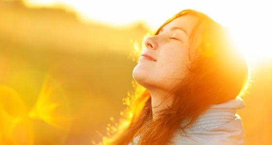 بالفيديو.. طبيب يوضح الوقت المناسب للحصول على فائدة الشمس في الشتاء