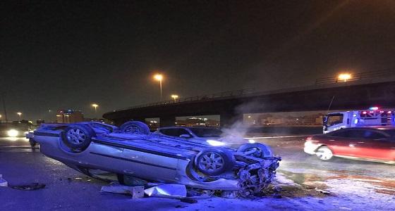 إصابة شخصين إثر حادث انقلاب سيارة من أعلى كوبرى مخرج كيلو 10 بجدة