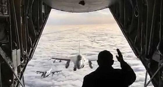رئيس الوزراء الدنماركي يعرض حياته للخطر من أجل طياريه