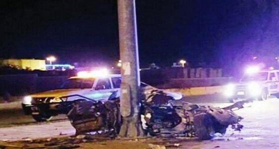 إصابة شخصين في حادث تصام مركبة بعمود إنارة بالطائف