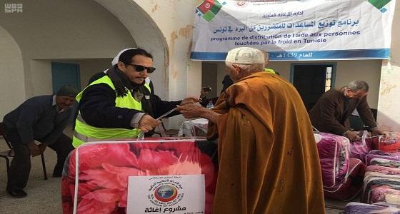 بالصور.. هيئة الإغاثة الإسلامية العالمية تنفذ حملة لتوزيع البطانيات في تونس