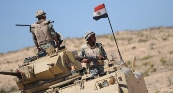 الجيش المصري يضبط إرهابي ويدمر 51 عبوة ناسفة بشمال سيناء