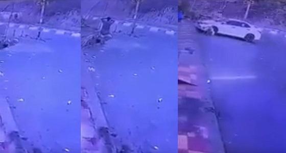 بالفيديو.. عشوائية المطبات في بني مالك تتسبب في حادثين