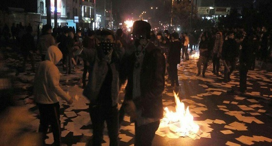 رغم التشديدات الأمنية..تظاهرات الشباب الإيراني تتحدى نظام الملالي