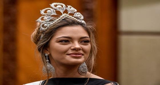 بالصور.. ملكة جمال الكون في حفل تتويج miss إندونيسيا