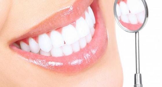أحدث صيحات التجميل العدسة التجميلية لتكبير وتصغير الأسنان