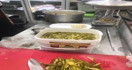 بالصور.. ضبط مطاعم مخالفة للاشتراطات الصحية غرب الدمام