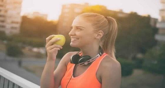 بالفيديو.. نصائح هامة لتجنب زيادة الوزن في الصيف