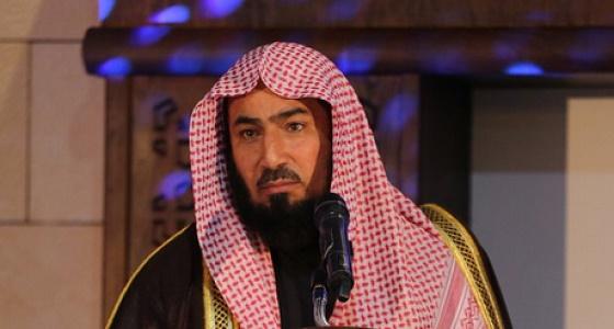 الشيخ صالح الهبدان يؤم المصلين على جثمان ابنته بجامع الراجحي