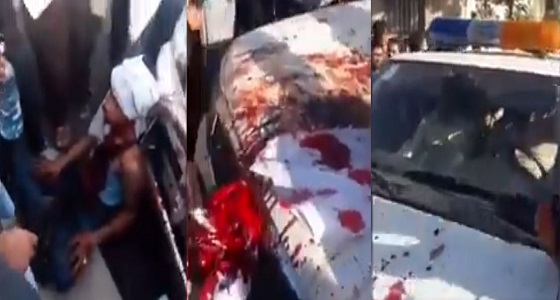 بالفيديو.. محاصرة شرطة إيران عقب ضرب باعة متجولين بطريقة دموية