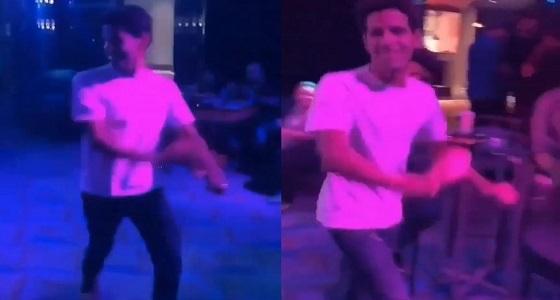 بالفيديو.. حمدي الميرغني يرقص على أنغام كيكي بطريقة طريفة