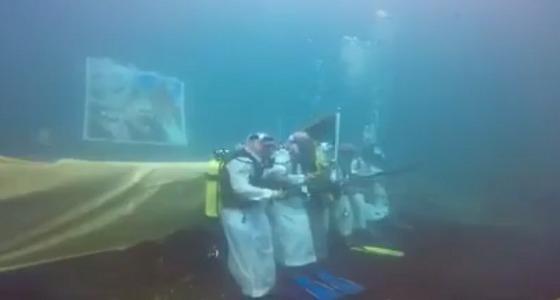 بالفيديو.. غواصون سعوديون يحتفلون باليوم الوطني في قاع البحر