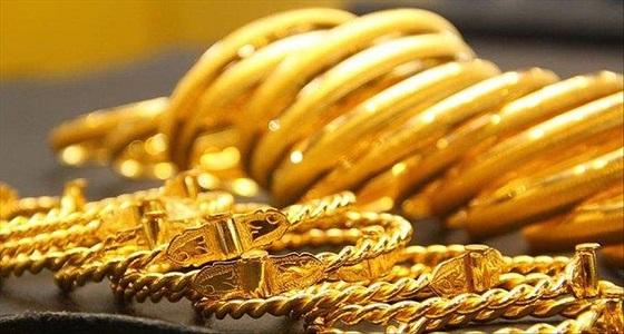 أربعيني يتعرض لسرقة مجوهرات قيمتها 400 ألف ريال