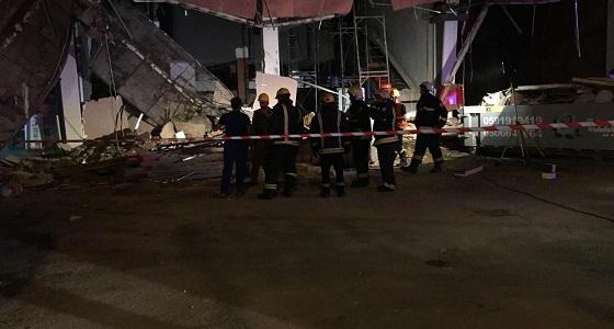 بالصور.. انهيار واجهة مبنى بالعوالي دون إصابات