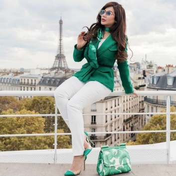 لجين عمران من باريس: دام عزك يا وطني