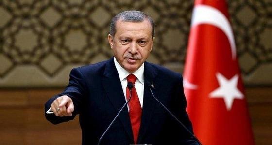 بالفيديو.. أساليب إردوغان للترويج له بأنه خليفة المسلمين