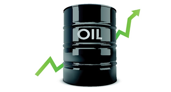 النفط يرتفع بعد اتفاق على خفض الإنتاج