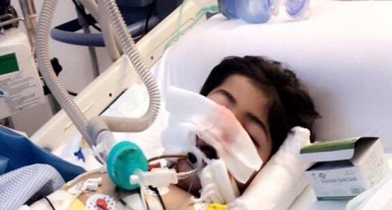 تدهور حالة طفل بعد دهس حافلة مدرسة له.. ومطالبات بنقله لمستشفى متخصص