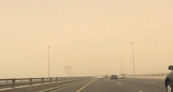 """"""" الأرصاد """" : تدني بالرؤية في الحدود الشمالية ومكة.. ورياح على الرياض"""