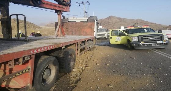 بالصور.. حادث شنيع بأضم يقضي على وافدين والجاني يلوذ بالفرار