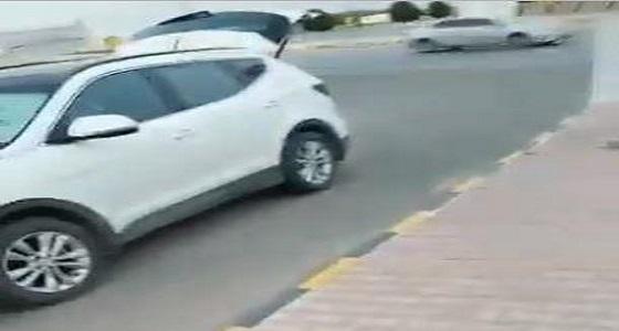 بلدية الخبراء توضح حقيقة المقطع المتداول لمواطن يشتكي منعه من البيع على الطريق