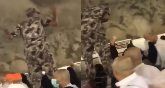 مصورة مقطع رجل الأمن الذي رفض المبلغ المالي تكشف الملابسات