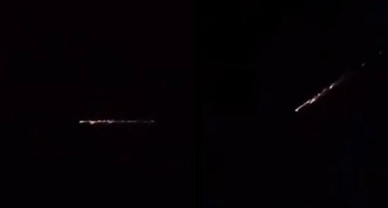 بالفيديو.. جسم غريب يظهر في سماء القصيم وحائل
