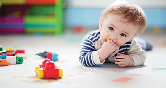 الطريقة الصحيحة لإنقاذ طفلك من الإختناق إذا بلع جسم غريب