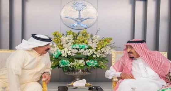 بالصور.. خادم الحرمين يعقد جلسة مباحثات مع ملك البحرين