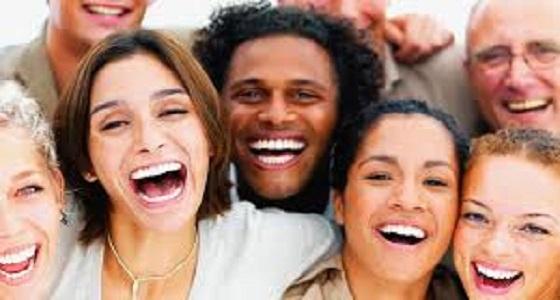 رئيس بلدية يصدر مرسوم يإلزام المواطنين بالضحك 3 مرات يوميا