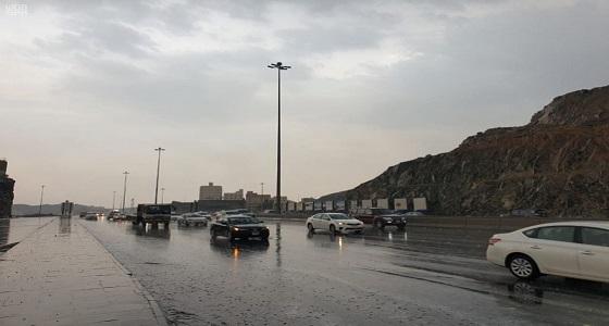 نشاط في الرياح وسحب رعدية على عددٍ من محافظات مكة