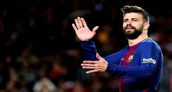 بيكيه ساخرًا: لا أرتدي قميص ريال مدريد بسبب «الحساسية»