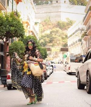 إطلالة ساحرة لأحلام في شوارع إيطاليا