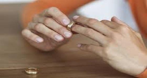 بسبب « بلوك » .. زوجة تطلب الطلاق