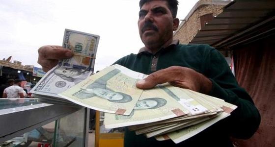 انهيار جديد للعملة الإيرانية تزامنًا مع ثورة البنزين