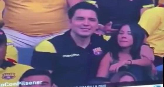 كاميرات مباراة كرة قدم تكشف خيانة زوج لزوجته وتدمر حياته