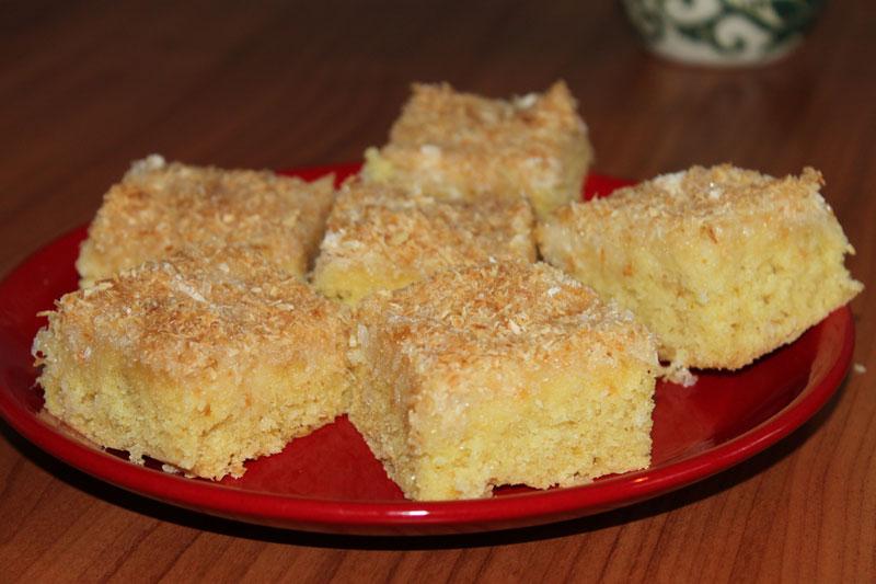 Kokosový koláč, rýchly, jednoduchý, pečenie, rafaelo, šľahačkový koláč