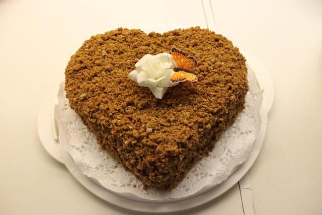 Medové srdce, valentín, sladký život, karamelová plnka, medové pláty, torta, koláč karamelový
