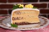 Karamelová torta s marcipánom
