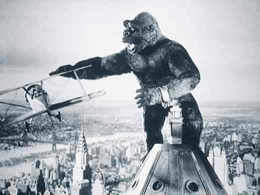 King Kong interfering with an aeroplane