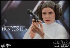 Hot Toys Princess Leia figure