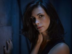 Gotham Season 2 - Morena Baccarin as Leslie Thompkins