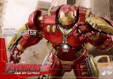 Hot Toys Avengers Hulkbuster 11