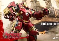 Hot Toys Avengers Hulkbuster 8